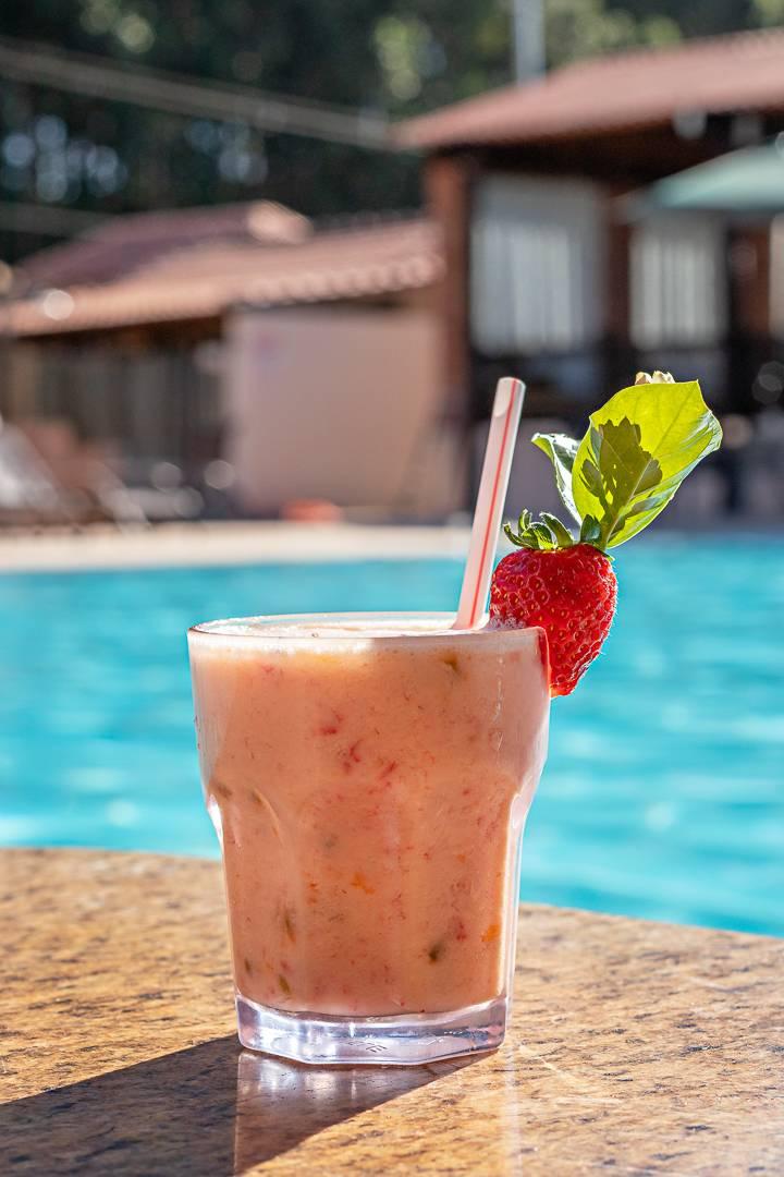 Drink na Piscina   Santa Eliza Eco Resort